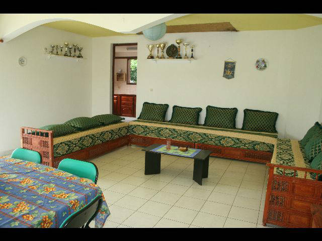 canap style marocain annonce meubles et d coration. Black Bedroom Furniture Sets. Home Design Ideas