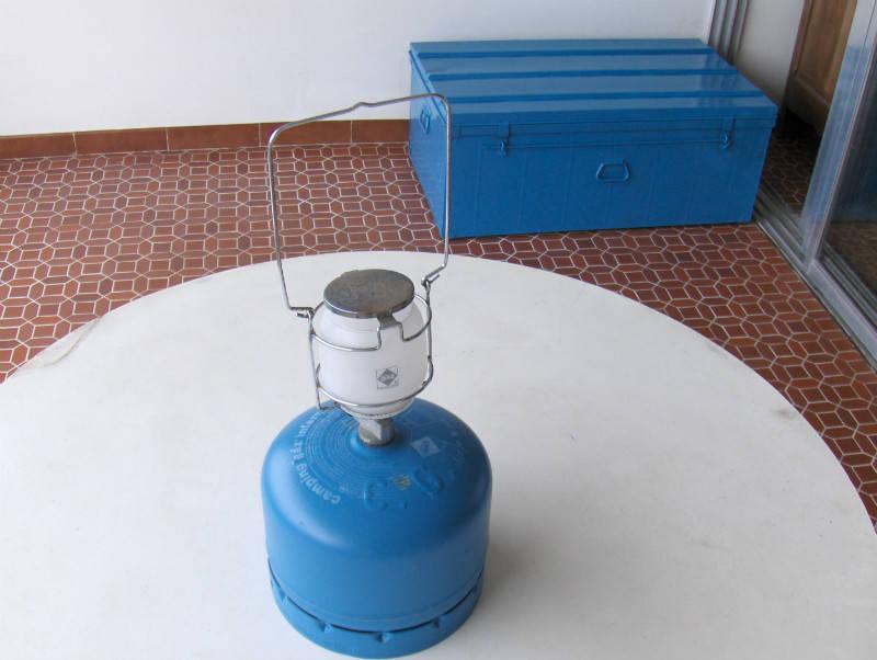 lampe d 39 clairage au gaz annonce lectrom nager martinique. Black Bedroom Furniture Sets. Home Design Ideas