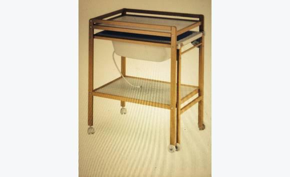Table langer avec baignoire incorpor e annonce for Table avec rallonge incorporee