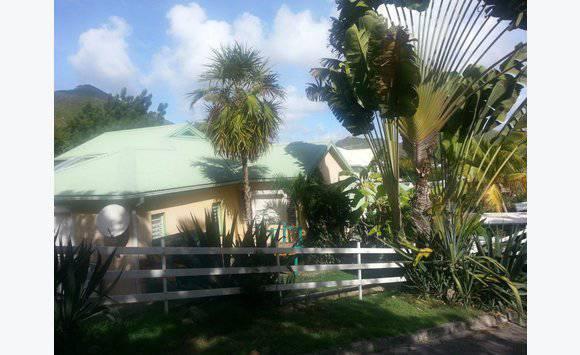 Villa individuelle avec garage annonce ventes maison for Garage saint martin