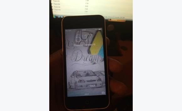 White factory unlocked iphone5c - Telephony Antigua and