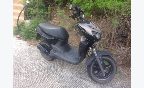 mbk stunt 50cc 2013 motorbikes scooters quads saint barth lemy cyphoma. Black Bedroom Furniture Sets. Home Design Ideas