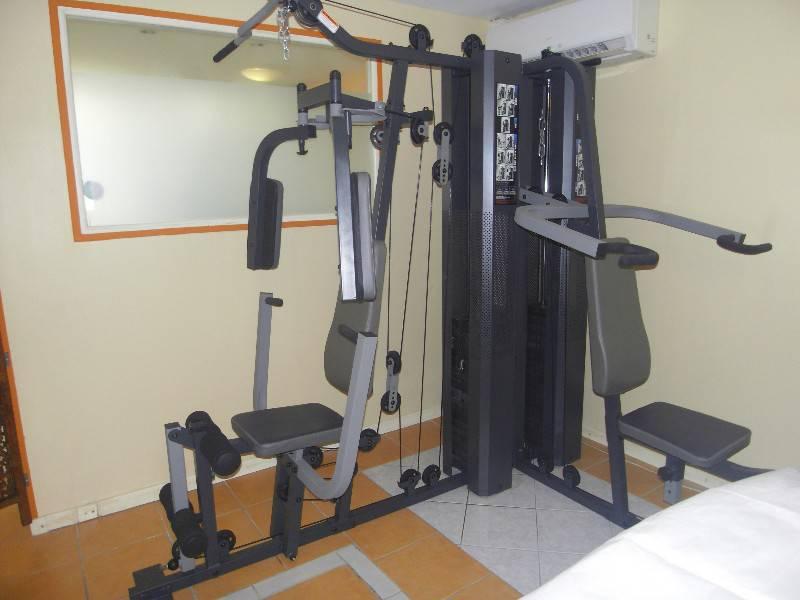 appareil de musculation professionnel bi poste annonce sports hobbies arrondissement de. Black Bedroom Furniture Sets. Home Design Ideas