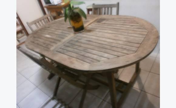 Table bois ovale 4 chaises annonce mobilier et for Table exterieur ovale