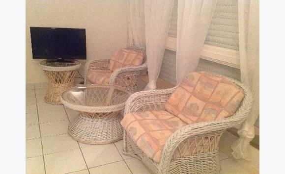 salon en rotin int rieur exterieur annonce mobilier et. Black Bedroom Furniture Sets. Home Design Ideas