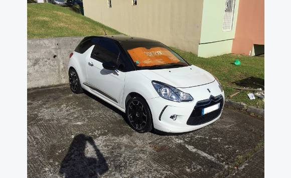 ds3 sport chic full cuir ann e 2013 46000 kms annonce voitures fort de france martinique cyphoma. Black Bedroom Furniture Sets. Home Design Ideas