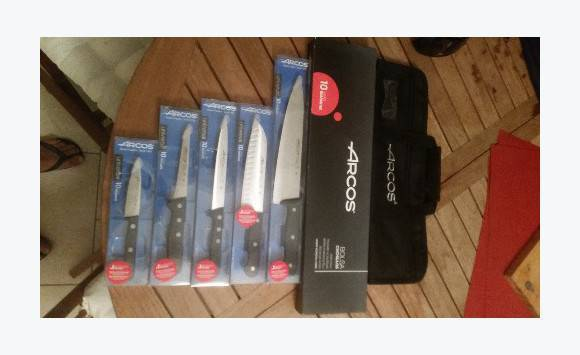 Set de 5 couteaux arcos professionnels annonce cuisine - Set de couteaux de cuisine professionnel ...
