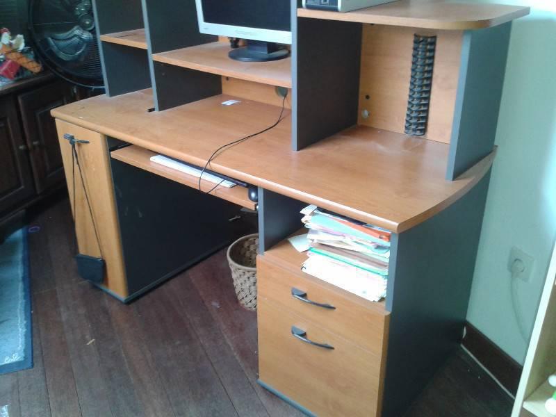 Bureau informatique ou ecolier en bois annonce meubles for Bureau martin