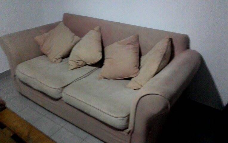 canap 3 places 4 coussins annonce meubles et d coration cul de sac saint martin. Black Bedroom Furniture Sets. Home Design Ideas