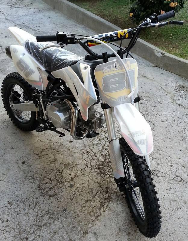 dirt bike xtrm factory 125cc neuve jantes 17 14 annonce motos scooter quad le lamentin. Black Bedroom Furniture Sets. Home Design Ideas