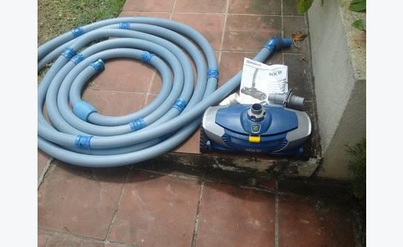 robot piscine hydraulique zodiac baracuda mx8 annonce bricolage jardinage marigot saint. Black Bedroom Furniture Sets. Home Design Ideas