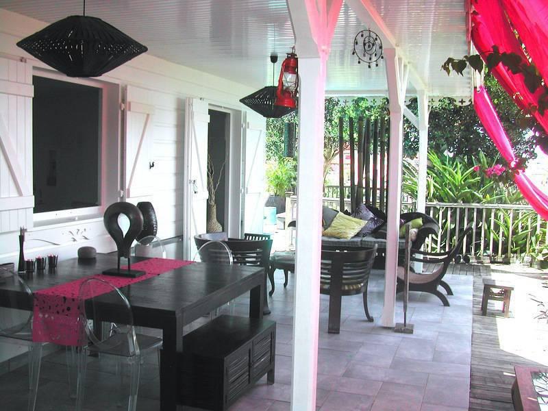 Villa 3 ch studio vue mer piscine jacuzzi plage les trois îlets martinique