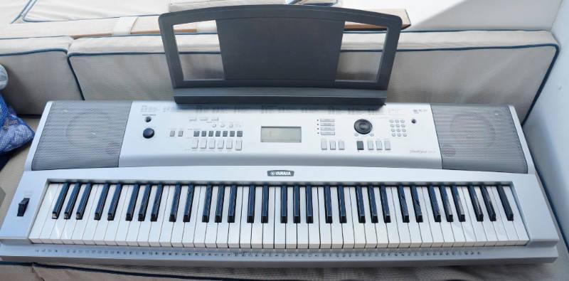 Piano electrique yamaha annonce image son saint martin - Four piano electrique ...