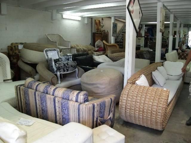 belle affaire commerce de mobilier d 39 occasion annonce bureaux commerces soci t s saint. Black Bedroom Furniture Sets. Home Design Ideas