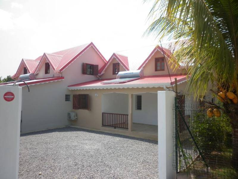 Maison annonce locations maison baie mahault guadeloupe for Annonce maison location