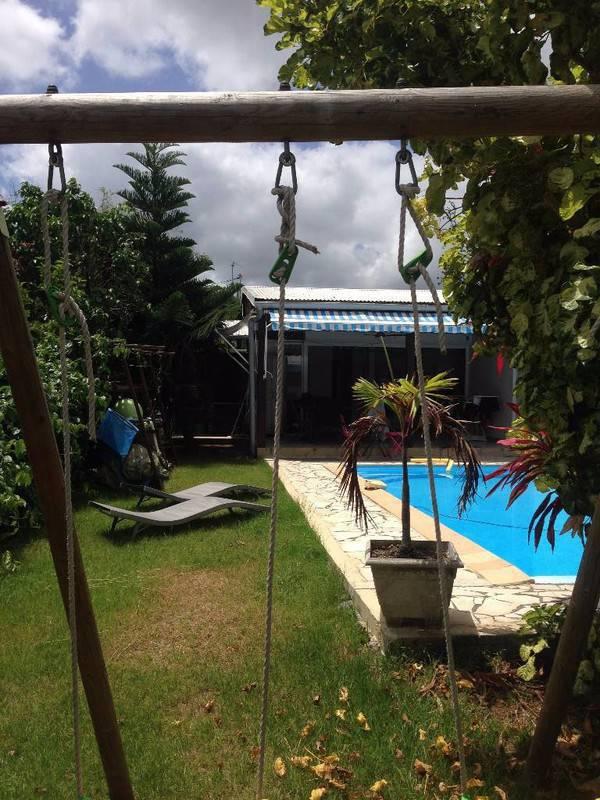 Villa t3 bungalow piscine annonce ventes maison for Bungalow avec piscine martinique