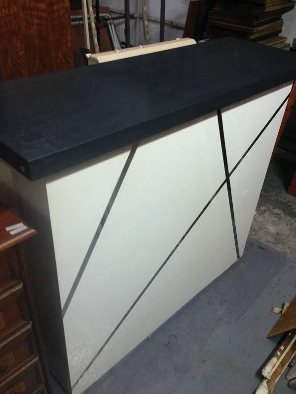 bar crozatier laqu blanc annonce meubles et d coration le lamentin martinique. Black Bedroom Furniture Sets. Home Design Ideas