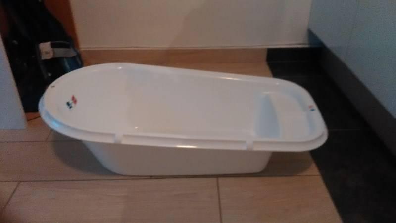 Baignoire jamais utilis e annonce pu riculture for Equipement baignoire