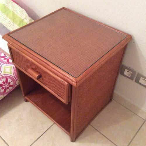 Table de chevet en bois x2 annonce meubles et for Albert tremblay meuble la baie