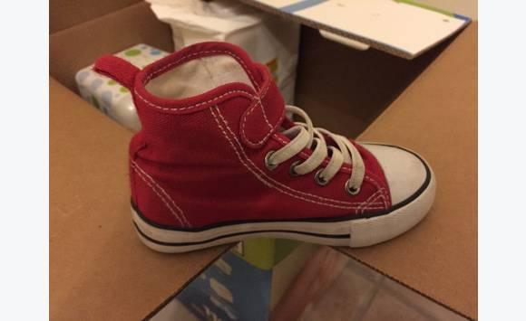 7fe7532801ea4 Chaussure montante enfant taille 23 - Habillement Enfant et Bébé ...