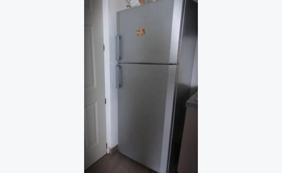 frigo beko 8 mois annonce lectrom nager saint martin. Black Bedroom Furniture Sets. Home Design Ideas