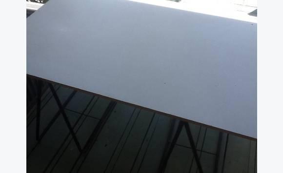 planche de bureau annonce meubles et d coration saint martin. Black Bedroom Furniture Sets. Home Design Ideas