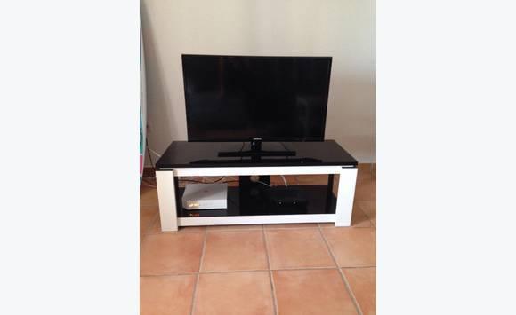 Meuble tv laqu noir et blanc annonce meubles et for Albert tremblay meuble la baie