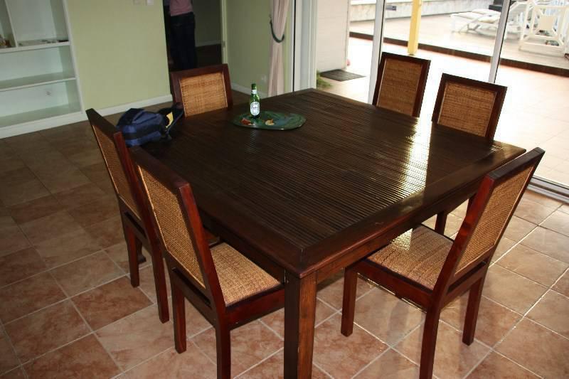 Table A Manger 6 Chaises Bois De Chene Et Bambou Meubles