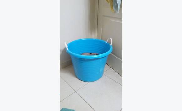bassine rangement ou linge annonce mobilier et quipement d 39 ext rieur marigot saint martin. Black Bedroom Furniture Sets. Home Design Ideas