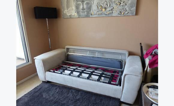 canap convertible chateau d 39 ax annonce meubles et d coration saint martin. Black Bedroom Furniture Sets. Home Design Ideas