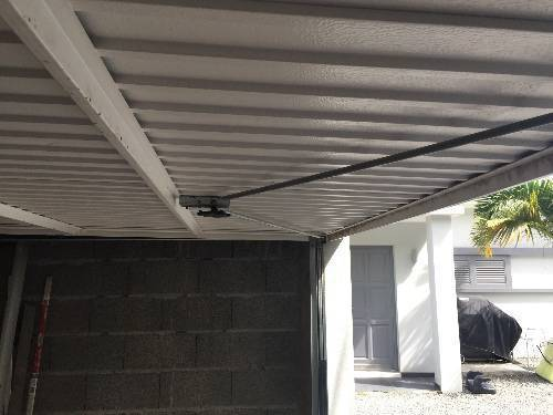 Garage door classified ad furniture and outdoor for Garage saint martin