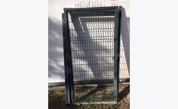 Porte ou portillon jardin annonce mobilier et for Porte de jardin exterieur