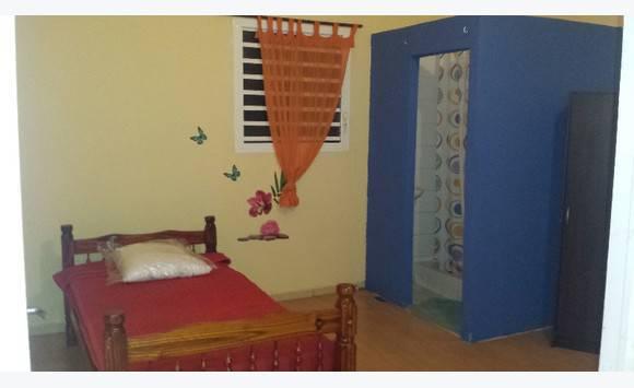location meuble annonce locations de courte et moyenne. Black Bedroom Furniture Sets. Home Design Ideas