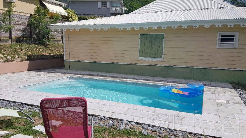Villa f5 plus piscine annonce ventes maison le diamant for Prix piscine beton 6x4