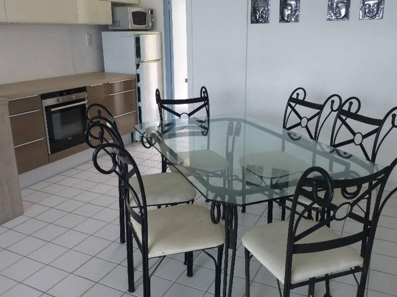 Table verre et fer forg et 6 chaises annonce meubles for Table en verre fer forge