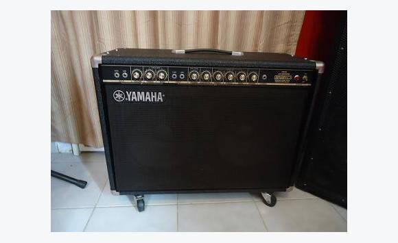 ampli guitare yamaha jx65d annonce instruments de. Black Bedroom Furniture Sets. Home Design Ideas