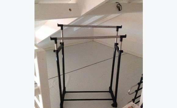 portant vetement annonce meubles et d coration saint martin. Black Bedroom Furniture Sets. Home Design Ideas