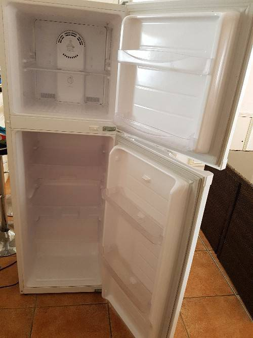 frigo daewoo no givre hauteur 1m65 large 0m54 annonce lectrom nager saint martin. Black Bedroom Furniture Sets. Home Design Ideas