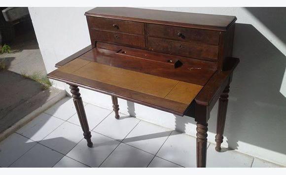 Petit secr taire antique avec chaise bonne christ for Petit secretaire