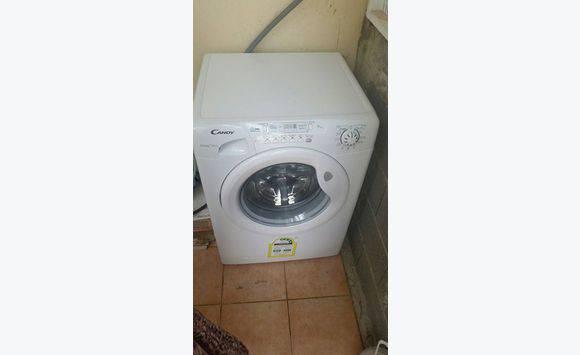 une machine laver 7kg candy comme neuf utiliser deux fois annonce lectrom nager sint. Black Bedroom Furniture Sets. Home Design Ideas