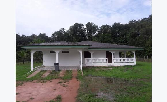 Villa louer annonce locations maison guyane for Annonce maison a louer