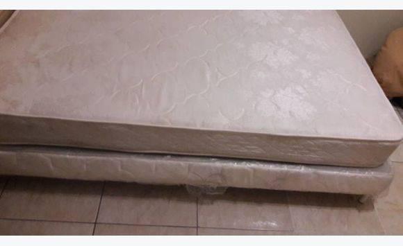 Bed advertentie meubels decoratie philipsburg sint maarten - Decoratie bed ...