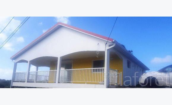 Maison f3 annonce locations maison saint esprit martinique for Annonce maison location