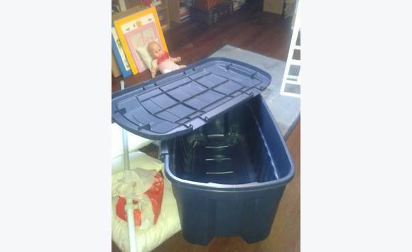 Coffre plastique annonce mobilier et quipement d for Coffre rangement plastique exterieur