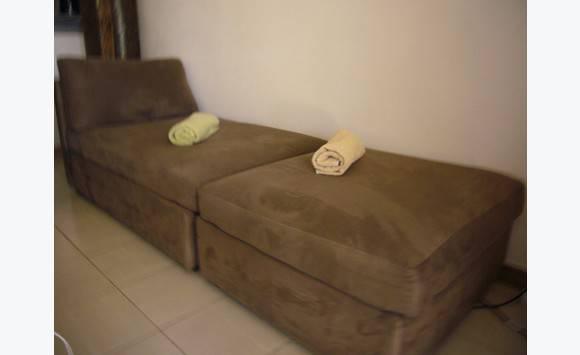 canap loveuse enti rement d houssable annonce meubles et d coration baie nettle saint. Black Bedroom Furniture Sets. Home Design Ideas
