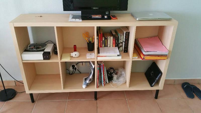 Beau meuble casiers en bois clair annonce meubles et for Meuble 8 casiers