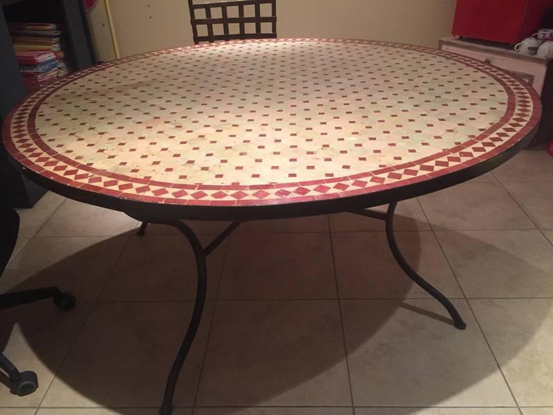 table mosa que ronde 150 cm annonce meubles et d coration marigot saint martin. Black Bedroom Furniture Sets. Home Design Ideas