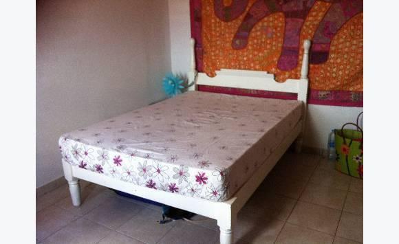 sommier 2 places avec matelas annonce meubles et d coration concordia saint martin. Black Bedroom Furniture Sets. Home Design Ideas