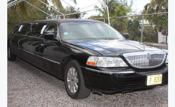 Lincoln Towncar Stretch Limo Cars Sint Maarten Cyphoma