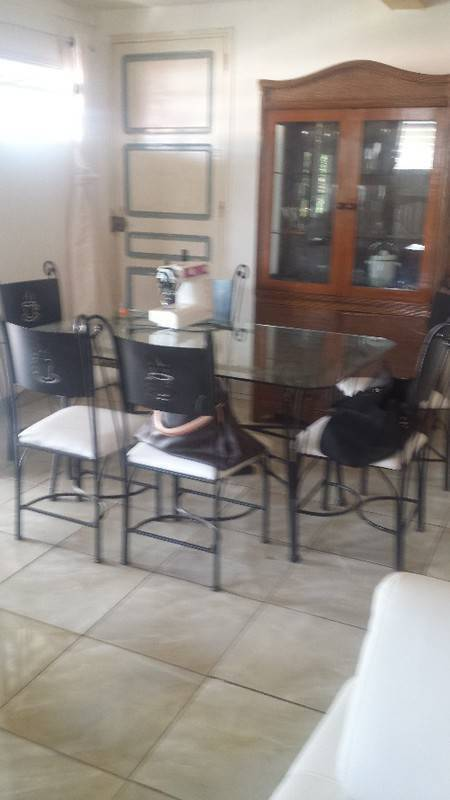 Meuble A Fixer Au Mur Table Chaises Buffet Bahut
